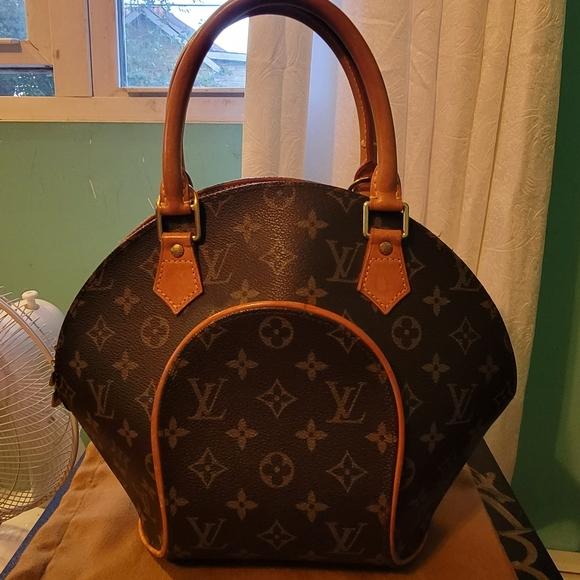 Louis Vuitton Handbags - Louis vuitton ellipse bowling bag